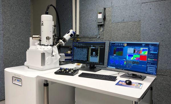 JEOL JSM-IT500HR Field Emission Scanning Electron Microscope